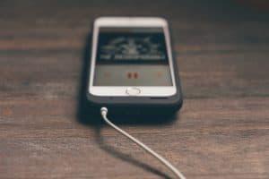 imagen-de-celular-grabando-musica